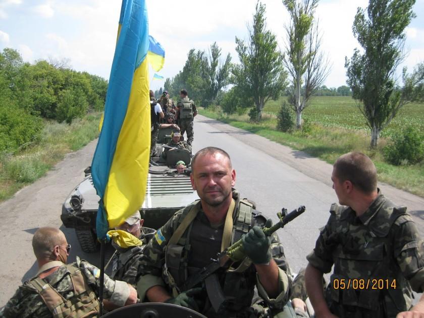 """Захисник ДАПу, демобілізований боєць 72 ОМБр Борис Азаров: """"Треба поставити пам'ятник нашим дружинам!"""""""
