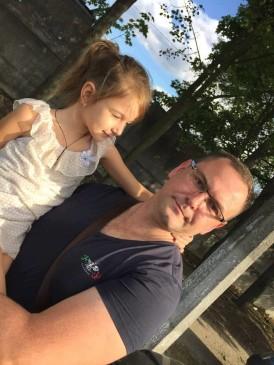 З тими, хто дочекався: з дочкою Кірою...